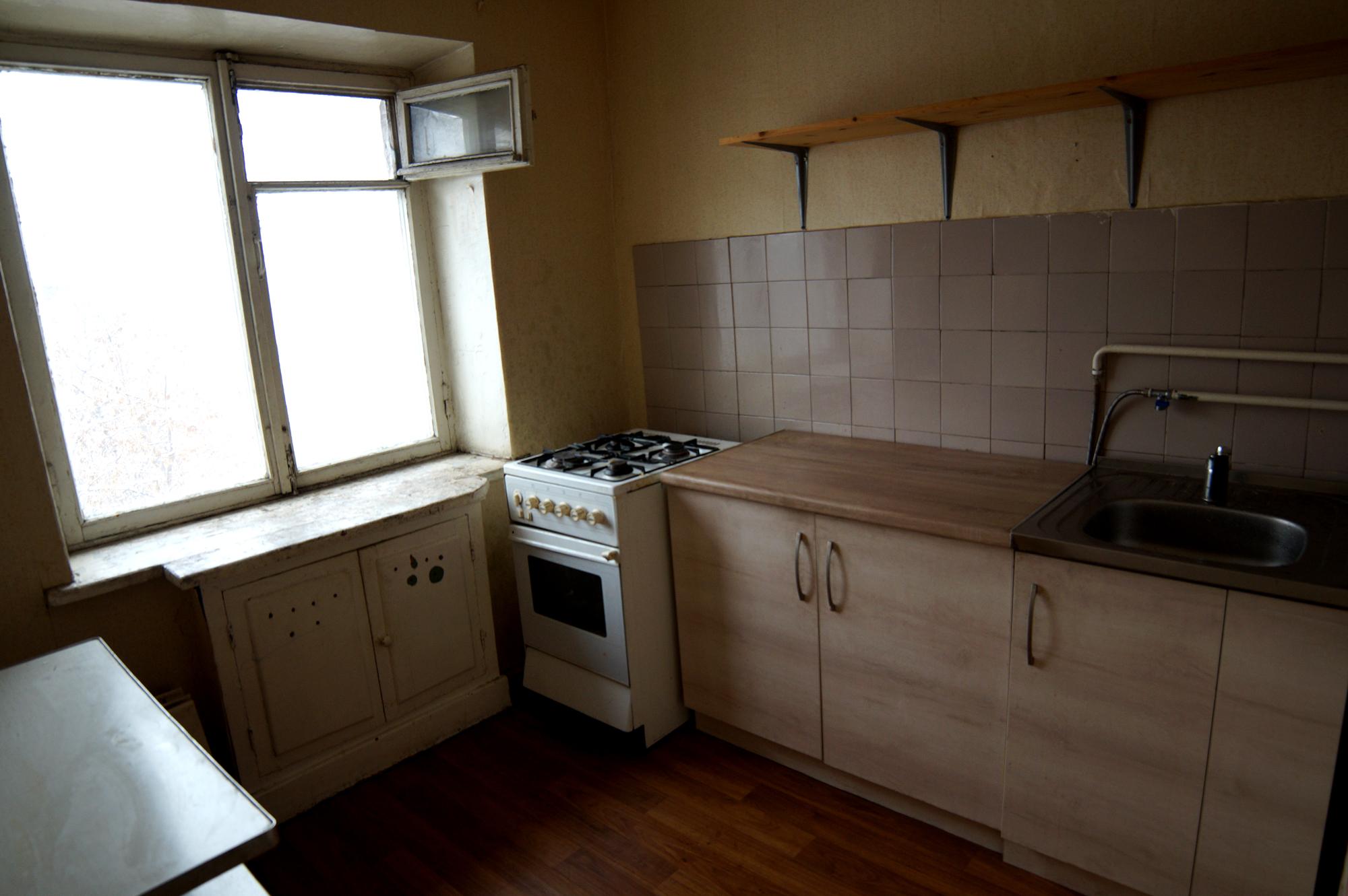 Продам 1 комнатную квартиру в Калининском районе.